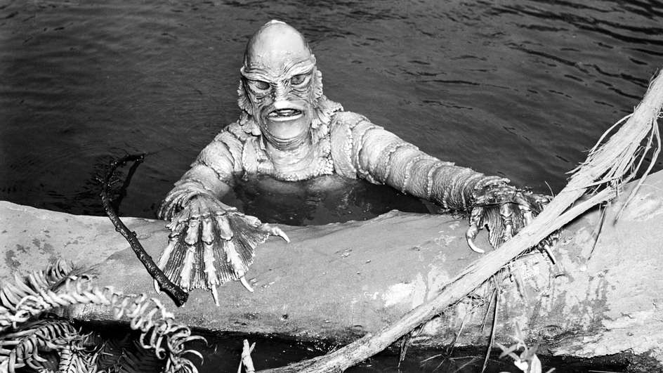 American actor, stuntman and filmmaker, Ricou Browning, as Gill-man in 'Creature From The Black Lagoon', directed by Jack Arnold, 1954. (Photo by Silver Screen Collection/Getty Images)